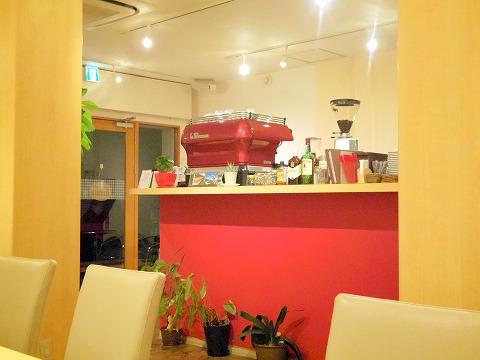 神奈川県川崎市中原区木月1丁目にある喫茶店「水谷珈琲」店内