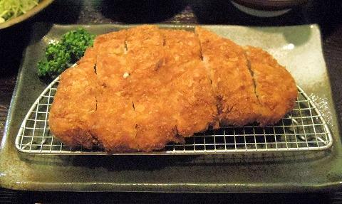 千葉県千葉市中央区中央3丁目にあるとんかつ店「とんかつ きみづか」特選ロース御膳