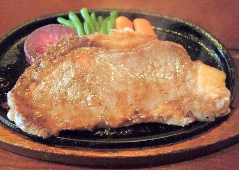 埼玉県越谷市蒲生寿町にあるステーキ・洋食のお店「ステーキ&バー セゾン」ステーキランチ オーストラリア産サーロインステーキ200g