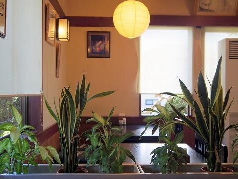 埼玉県さいたま市緑区中尾にある洋食、和食の「あい庭」店内