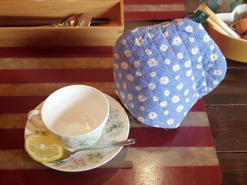 埼玉県入間市東町1丁目にある「カフェ 彩の森 cafe SAINOMORI」ホットレモンティー