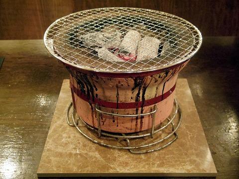 千葉県千葉市中央区富士見2丁目にある焼肉店「七輪焼肉 安安 千葉中央店」七輪