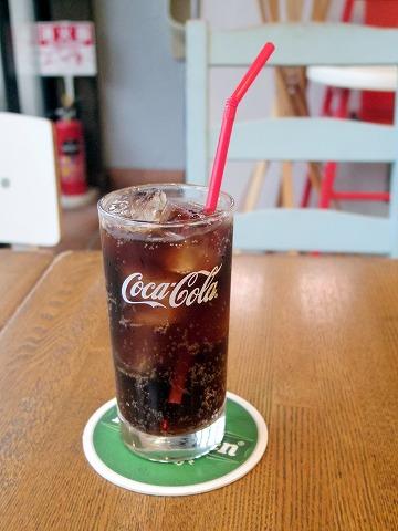 神奈川県横浜市中区本牧原にあるハンバーガー、カフェの「BURGER'S+CAFE  hasamu」コカコーラ