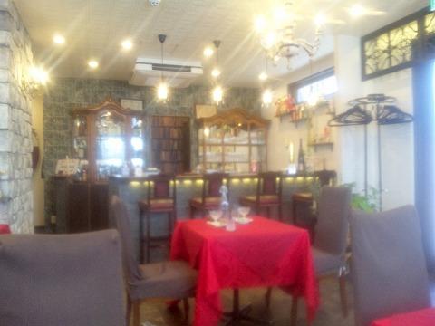 埼玉県越谷市大林にある中華料理店「Ishibashi Chinois&Bar」店内
