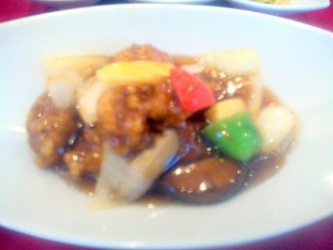 埼玉県越谷市大林にある中華料理店「Ishibashi Chinois&Bar」酢豚
