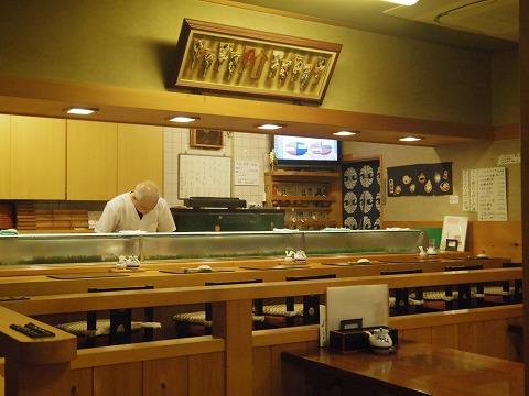 さいたま市岩槻区馬込にある寿司店「八恵寿司」店内