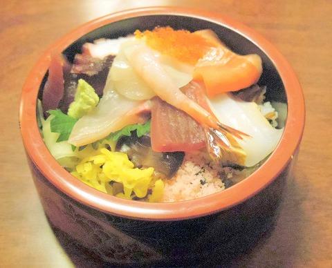 さいたま市岩槻区馬込にある寿司店「八恵寿司」海鮮丼