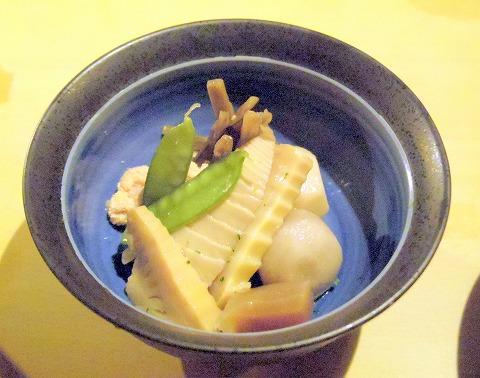神奈川県川崎市川崎区小川町にある「天ぷら 三惚」煮物