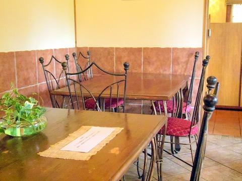 埼玉県蓮田市東4丁目にあるイタリア料理のお店「トラットリア ナトゥーラ TRATTORIA NATURA 」店内