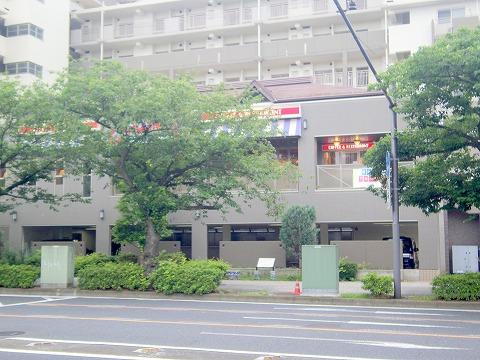 神奈川県横浜市中区本牧宮原にあるファミリーレストラン「ジョナサン 横浜本牧店」外観