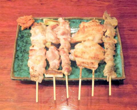 神奈川県横浜市中区麦田町4丁目にある焼鳥、魚介・海鮮料理、居酒屋の「やきとり割烹 花夏彩」焼鳥