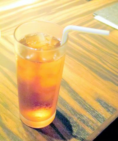 神奈川県横浜市中区羽衣町2丁目にある焼肉店 「大徳壽」ウーロン茶