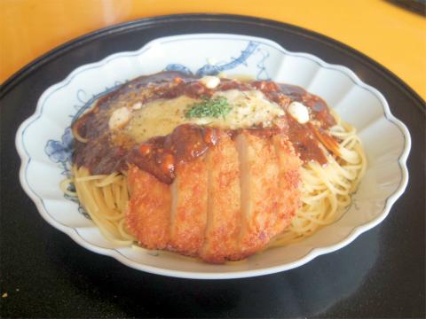 埼玉県さいたま市岩槻区南平野2丁目にある「洋麺屋五右衛門 東岩槻店」3種チーズのとんかつミートソース