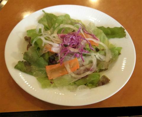 神奈川県横浜市中区寿町2丁目にある焼肉店「焼肉 東京山」上カルビと上ロースのセット