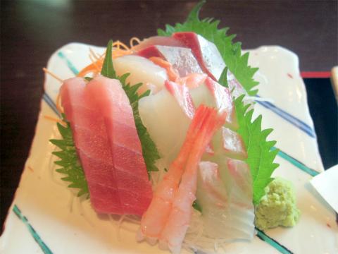 神奈川県大和市大和東1丁目にある魚介・海鮮料理の「魚貝亭 大和店」特撰天ぷら定食