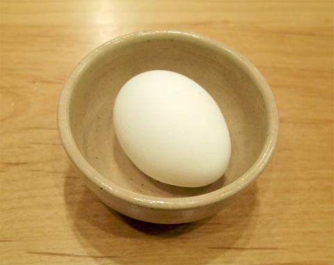 神奈川県大和市大和南1丁目にある喫茶店「コメダ和喫茶  おかげ庵  大和駅前店」ホットレモンティーとトーストセット(トースト+ゆで卵+小倉あん)、別にゆで卵1個