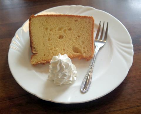 茨城県ひたちなか市中根にあるカフェ・オムライス専門店の「cafe NAVEL カフェ・ネイブル」たっぷりソースオムライスセット