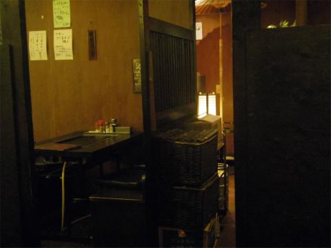 東京都江東区白河1丁目にあるお好み焼き、もんじゃの「いろはにほへと」店内