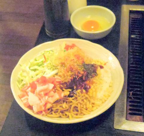 東京都江東区白河1丁目にあるお好み焼き、もんじゃの「いろはにほへと」そばめし