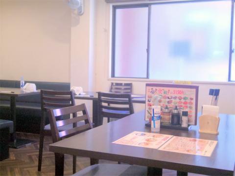 東京都江戸川区南篠崎町3丁目にある中華料理「木蓮」店内