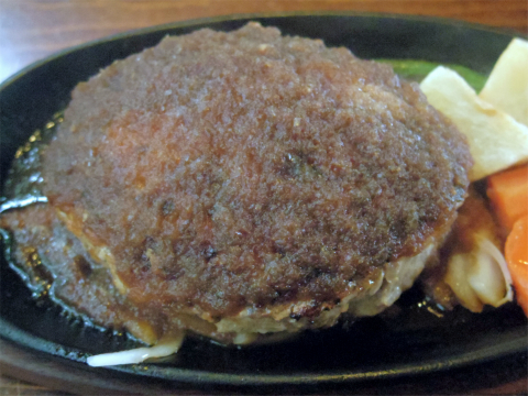 茨城県那珂市後台にあるステーキ、ハンバーグの「ステーキ屋 ぶどう亭」手造りジャンボハンバーグランチ