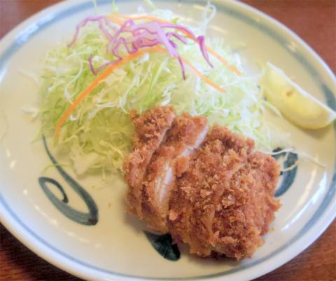 埼玉県さいたま市岩槻区末田にある「とんかつ喜久」ヒレカツ定食