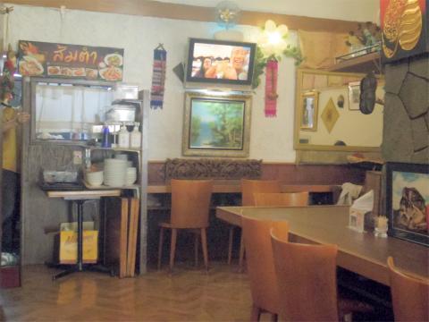茨城県ひたちなか市勝田泉町にあるタイ料理のお店「タイ国料理 ラカントーン」店内