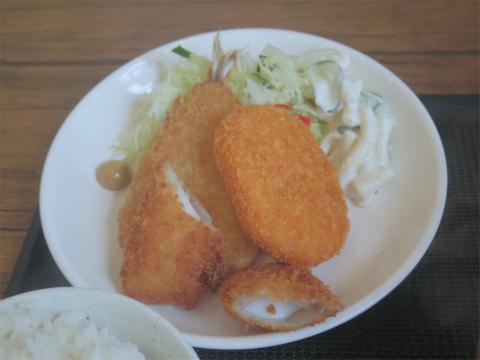 埼玉県春日部市一ノ割1丁目にある定食、食堂、居酒屋の「時々」ミックスフライ定食