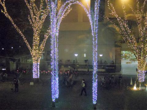 東京都練馬区光が丘5丁目にある「焼肉やまと 光が丘店」窓からの眺め