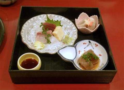 埼玉県草加市栄町3丁目 にある天ぷら店「てんぷら天杉」特選定食もみじ