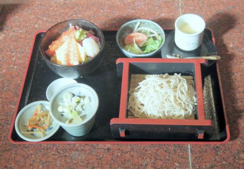 埼玉県所沢市和ケ原3丁目にある和食店「和亭 武」海鮮丼ランチ