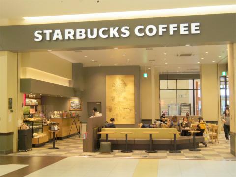 埼玉県さいたま市緑区美園5丁目にあるカフェ「スターバックスコーヒー Starbucks Coffee イオンモール浦和美園店」外観