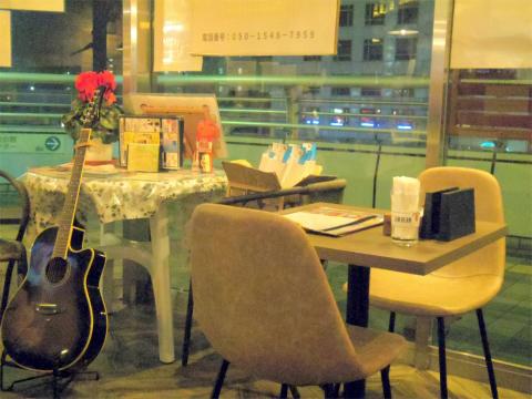茨城県土浦市大和町にある定食、食堂の「駅前食堂 ウエスタン・ジャンゴ WESTERN DJANGO」店内