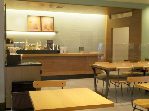 東京都練馬区光が丘5丁目にあるカフェ「スターバックスコーヒー Starbucks Coffee 光が丘IMA店」店内