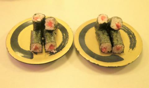神奈川県横浜市中区本牧原にある回転寿司店「はま寿司 ベイタウン本牧店」とろ鉄火巻
