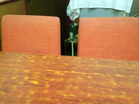 神奈川県川崎市中原区木月2丁目にある「中華料理 菜華」店内