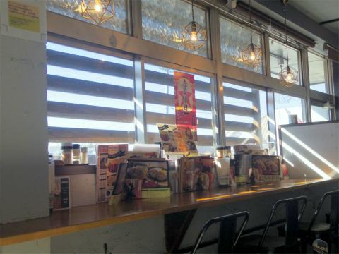 茨城県取手市井野台4丁目にあるステーキハウス「 グリルキッチン ブルアーズ Grill Kitchen BULLURE.S」店内