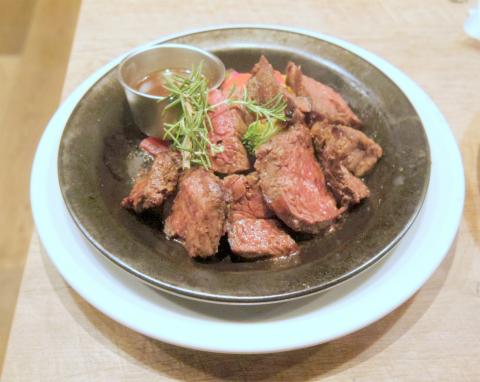 東京都練馬区光が丘5丁目にあるイタリア料理のお店「Italian Kitchen VANSAN バンサン 光が丘IMA店」US牛サガリの窯焼きステーキ