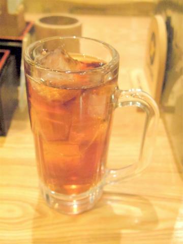 東京都荒川区東日暮里6丁目にある居酒屋「串揚げ酒場 日暮里ただいま」ウーロン茶