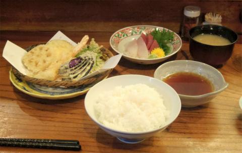 東京都足立区鹿浜7丁目にある天ぷら「天藤」昼御膳