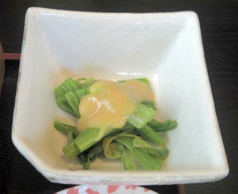 埼玉県草加市栄町3丁目にある寿司、割烹、うなぎの「栄」上にぎり寿司とそばのセット