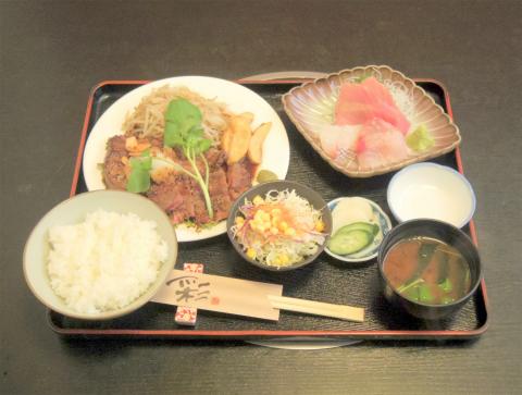 埼玉県三郷市三郷2丁目にある会席、すき焼き、しゃぶしゃぶの 「日本料理 栗はら」サーロインステーキ膳、刺身3種盛り付き