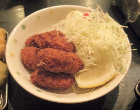 神奈川県横浜市西区戸部本町にある串揚げ、串かつの「二度と来るよ」カキフライ
