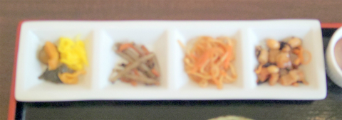 千葉県成田市宗吾3丁目にある魚介料理、海鮮料理の「食堂まぐろや」まぐろ五色丼 特上