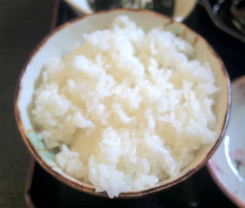 千葉県成田市宗吾にある定食、そばのお店「海幸 しのぶ」刺身と天ぷらセット