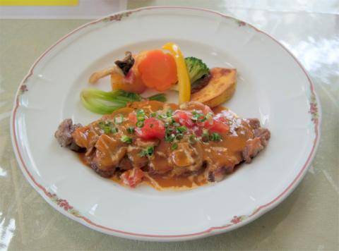 茨城県龍ケ崎市松ケ丘2丁目にある「欧風レストランカウッパトリ」お昼のランチコース