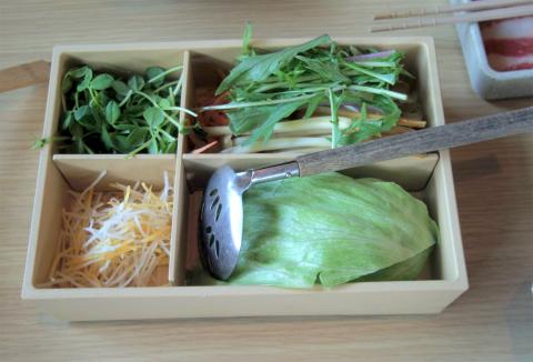 千葉県富里市七栄にある「しゃぶしゃぶ温野菜 富里店」食べ放題の最初に出てくるもの
