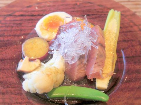 千葉県印旛郡酒々井町中川にある「食堂ひらりん」おこのみフライ定食の前菜