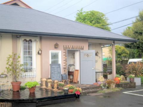 茨城県ひたちなか市馬渡にある焼き立てスコーンとコンフィチュール、紅茶の「La Table De Izumi ラ・ターブル・ドゥ・イズミ」外観