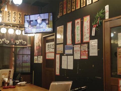 東京都台東区上野6丁目「串かつ酒場 ひろかつ 上野アメ横店」店内